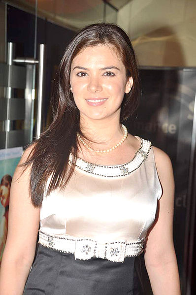 398px-Urvashi_Sharma_at_the_Premiere_of_'The_Dark_Knight_Rises'