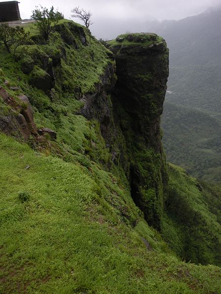 450px-Louisa_Point_Matheran