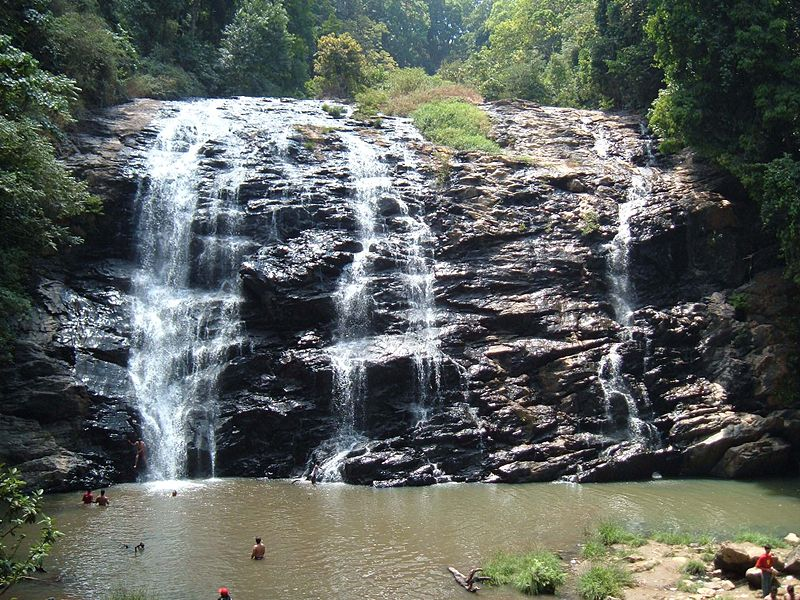 800px-Abbey_Falls_Coorg