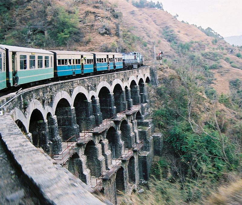 800px-KSR_Train_on_a_big_bridge_05-02-12_71