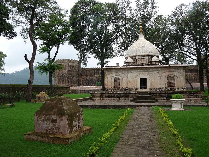 Ramnagar Fort (Photo by Vishwanek)