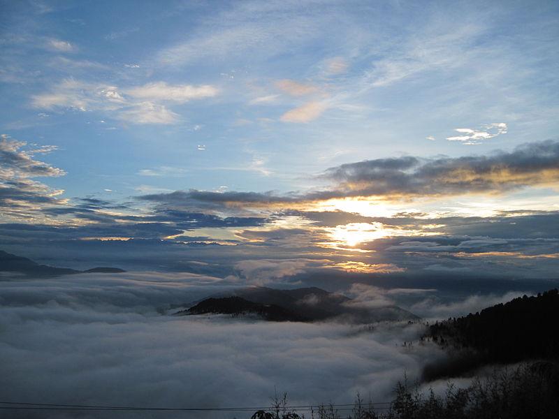 A_cloud_covered_darjeeling
