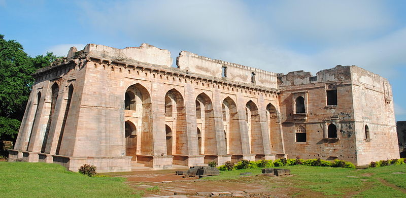 Hindola Mahal, Mandu (Photo by Muk Khan)