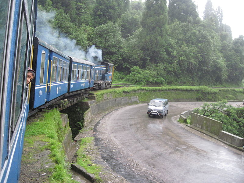 Toy_train_of_darjeeling
