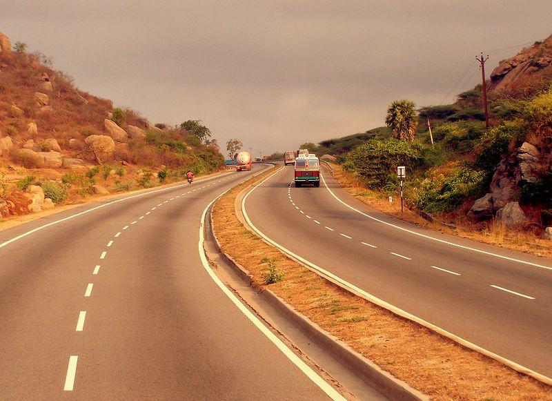 800px-HIghway_Chennai_Bangalore