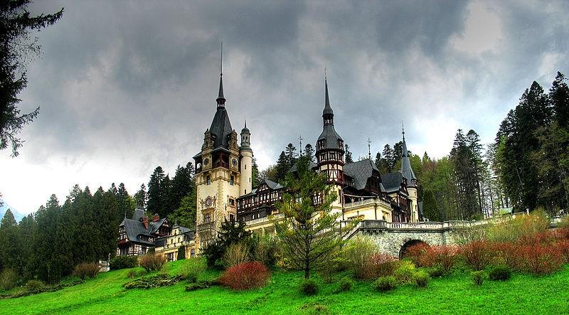 800px-Peles-Castle-Sinaia-Romania