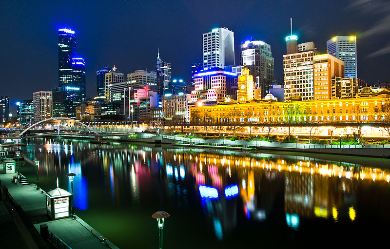 800px-Melbourne,_Australia_by_night