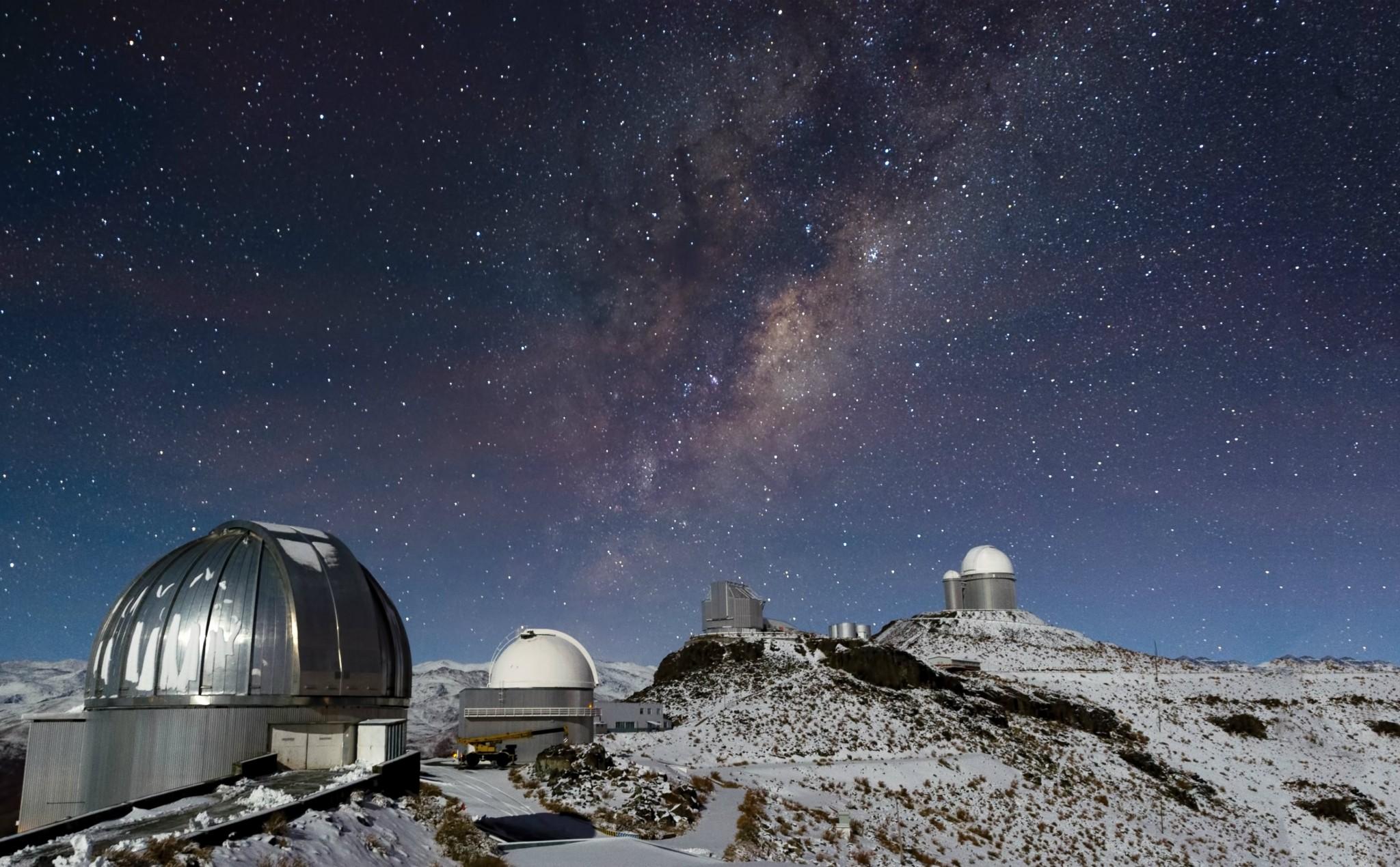 Milky Way over Snowy La Silla (by ESO/José Francisco Salgado)