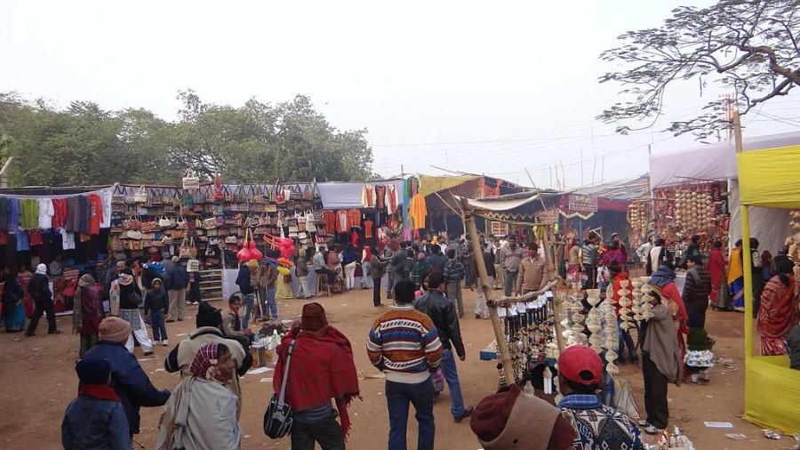 1024px-Poush_Mela_Bazaar_2012