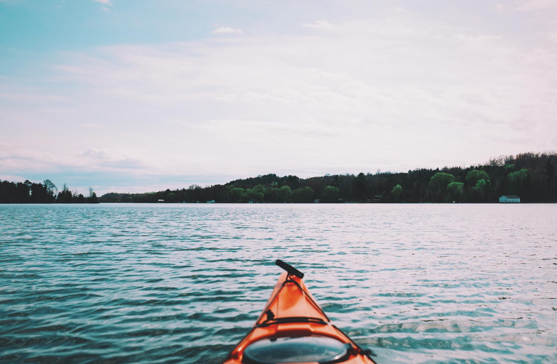 lake-kajak-kayak