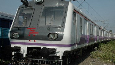 1024px-Mumbai_Train