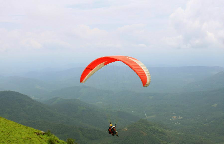paragliding in Vagamon