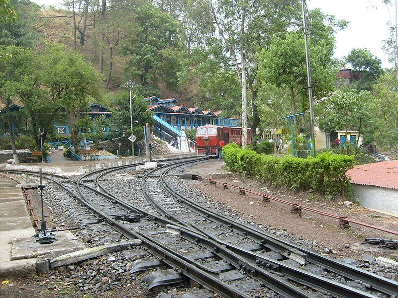 800px-Kalka-Shimla_Railway_Barog