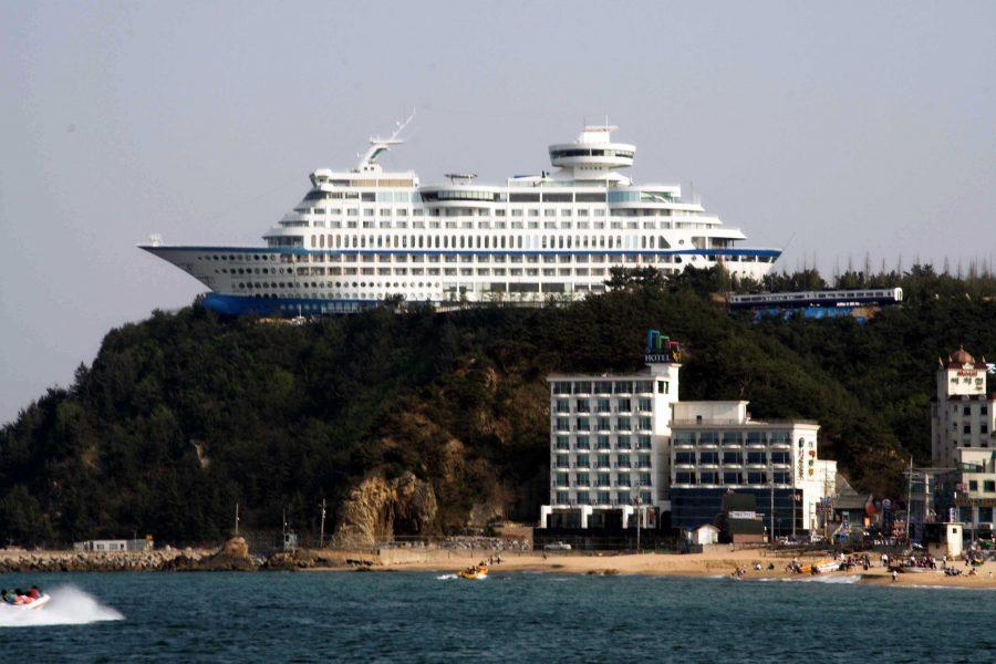 Korea-Gangneung-Jeongdongjin-Sun_Cruise_Hotel-01