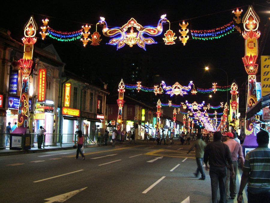 little_india-_serangoon_road_singapore_diwali_2009