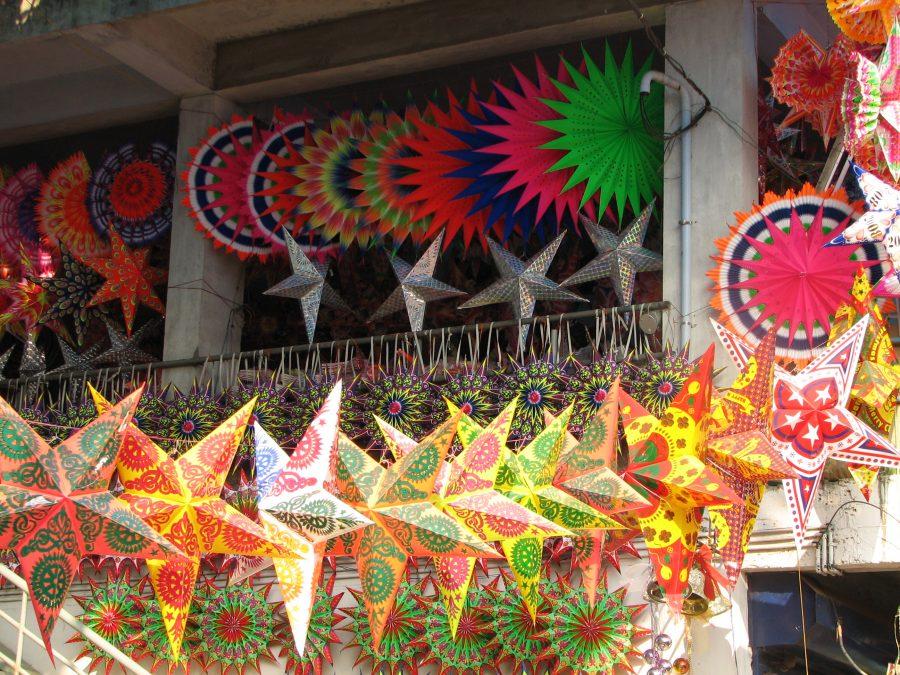 india_-_kerala_-_069_-_cochin_-_xmas_stars_for_sale_2077715893