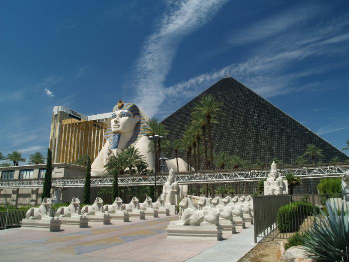 Las_Vegas_Luxor_04 wikipedia edited