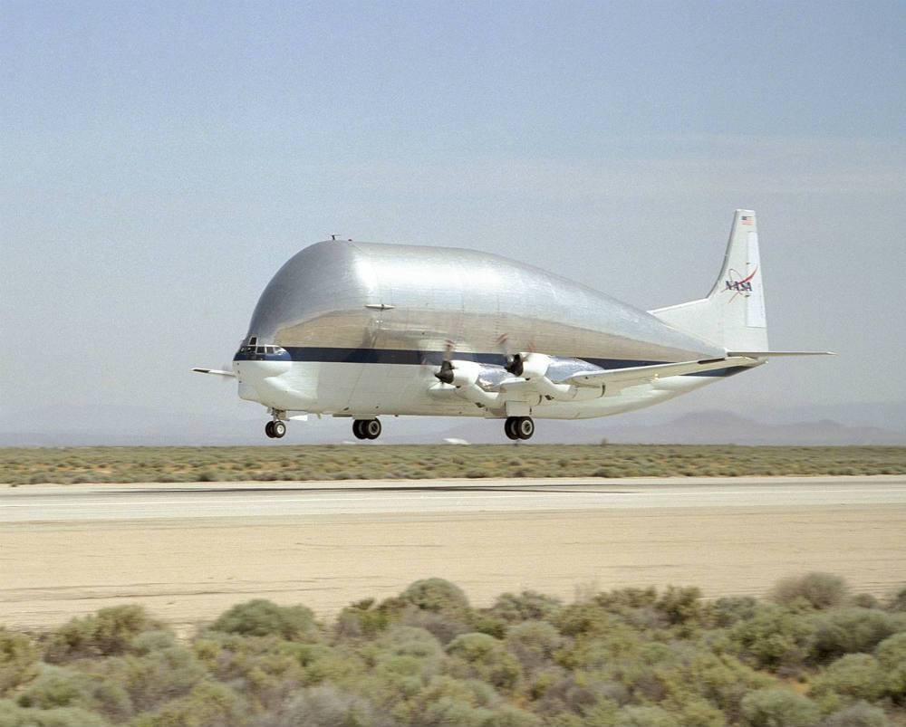 1275px-Super_Guppy_N941_NASA NEW USE