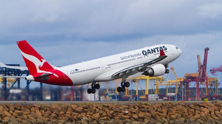 Qantas lands the world's longest flight