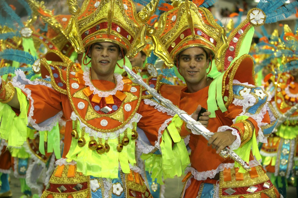 Dancer's participates in the parade at the sambodrome