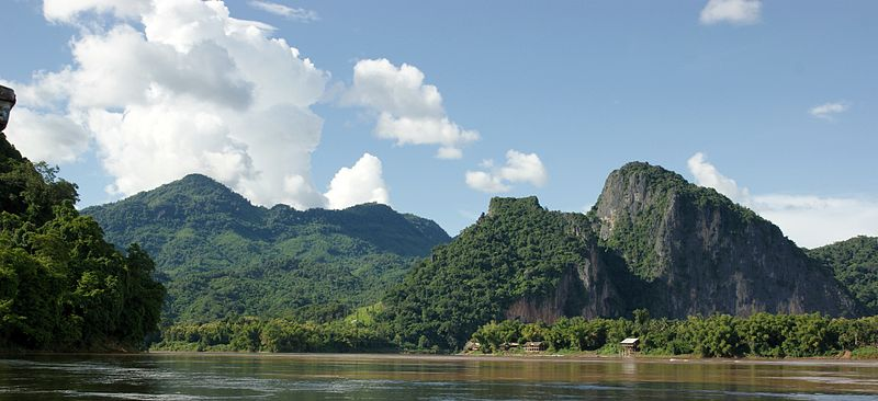 800px-Mekong_River_(Luang_Prabang)