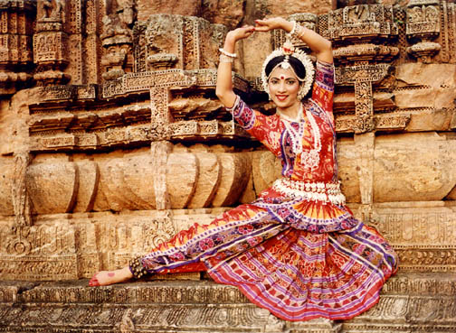 The_Odissi_Costume_-_Dipanwita_Roy