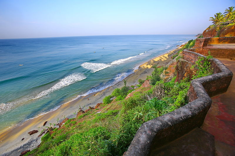 800px-Varkala_beach_-_cliff_view