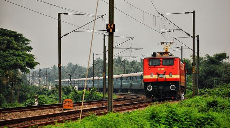 800px-Indian_railways