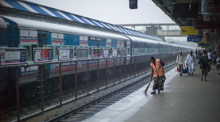 9 Major Updates on Swachh Rail Swachh Bharat Mission | ixigo Travel