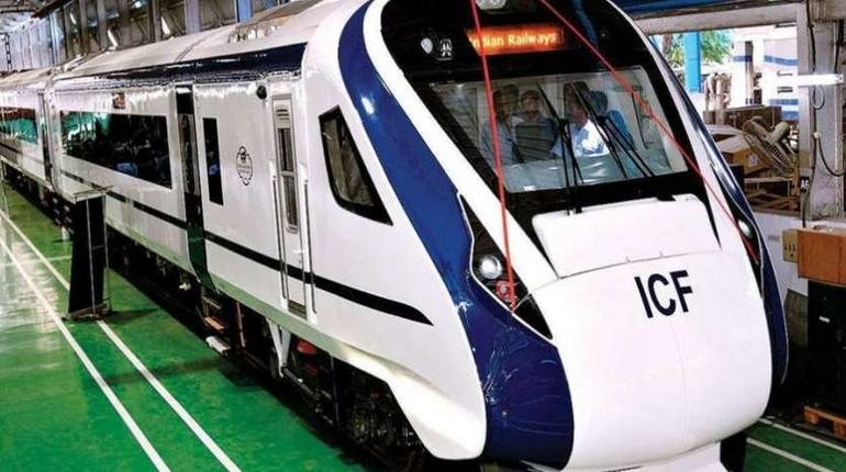 Train 18, India's First Engine-less Train Flagged Off | ixigo Travel