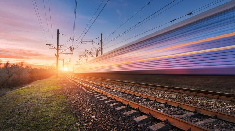 Coming Soon: Rajdhani-style Train 18 | ixigo Travel Stories