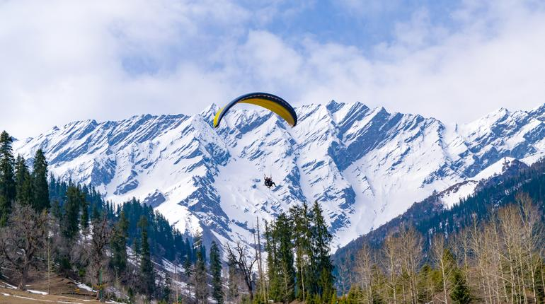 10 Destinations that You Can Visit by Bus near Manali