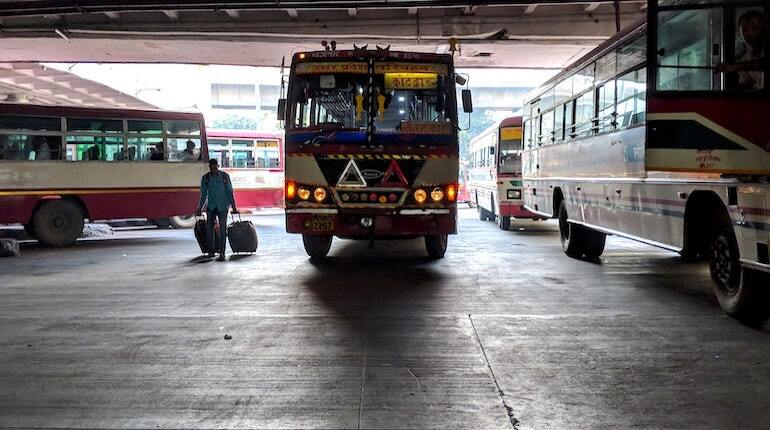 upsrtc 229 buses on 10 routes for diwali from lucknow