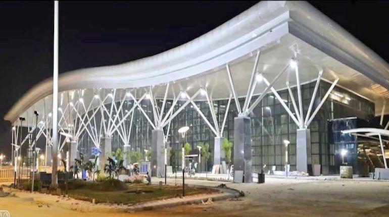 Exteriror of sir m visvesvaraya ac terminal at night