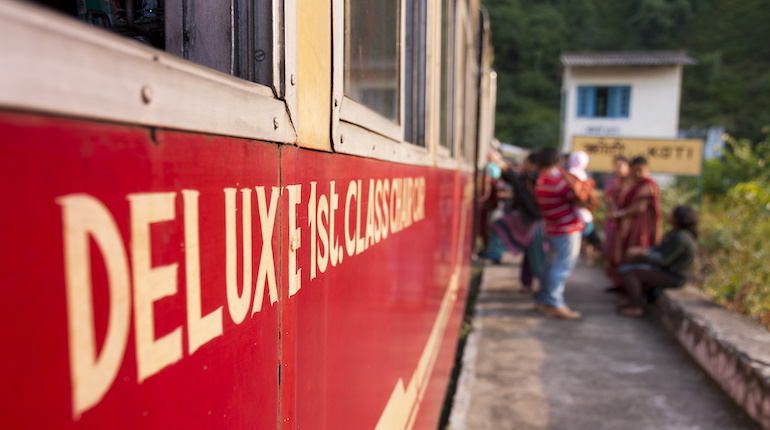 red first class train from kalka to shimla